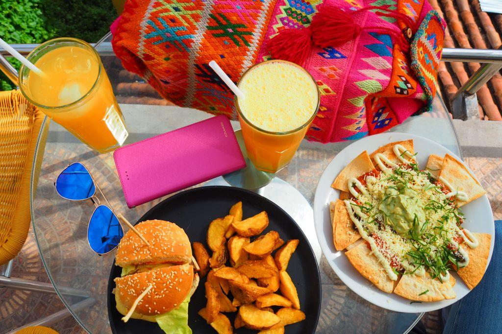 5 sposobów na to, żeby najeść się za darmo, będąc w podróży