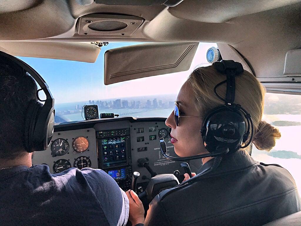 Moja pierwsza lekcja latania – pilotowałam awionetkę nad Miami!
