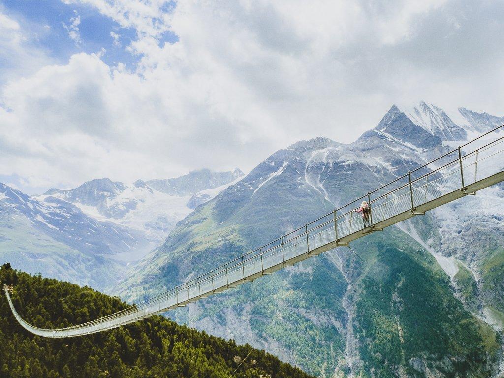 Charles Kuonen Suspension Bridge – najdłuższy wiszący most w Europie – tylko nie patrz w dół!