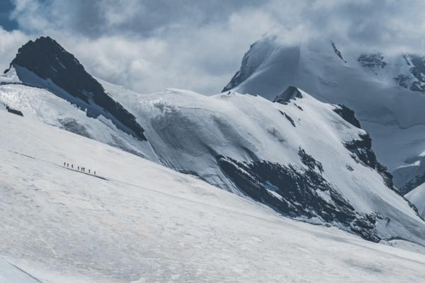 Matterhorn Glacier Paradise (Klein Matterhorn) w Szwajcarii – przytłaczająca potęga natury i widok na 14 lodowców