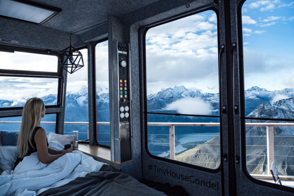 Million Stars Hotels - sleeping in Tiny House Gondel at 3000 m above the sea level in Switzerland