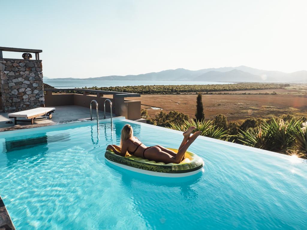 Villa Marathon w Grecji - pomysł na weekendowy wypad do luksusowej willi z basenem